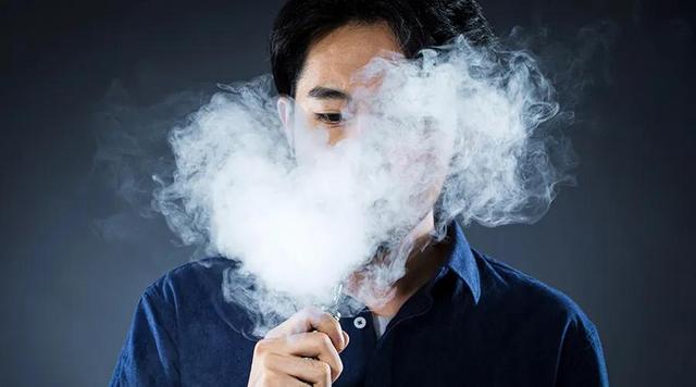 悄悄疯狂的电子烟:12小时开1家店,省级代理现场打款上百万