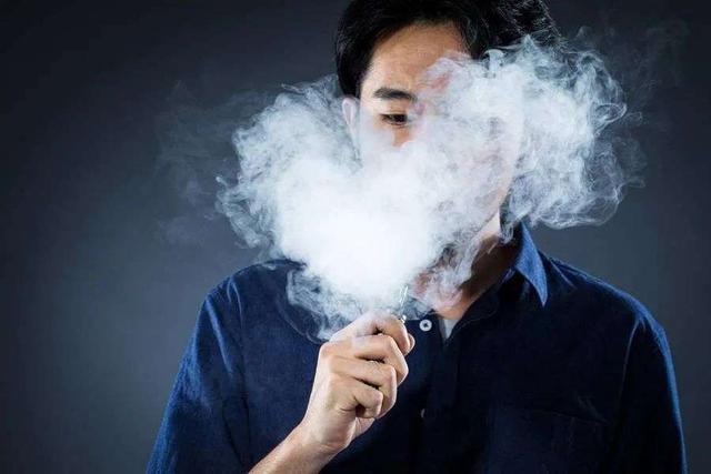 """电子烟""""戒网""""之后,从硬件商业到流量商业的可能性"""