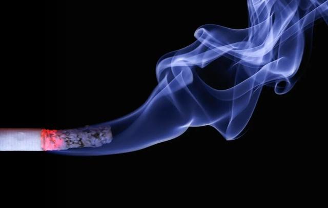网售电子烟勒令下架:它与传统的卷烟有啥区别?真的能戒烟吗?