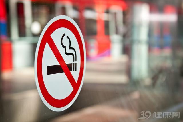 """电子烟能戒烟,为什么会被""""封杀""""?看完4个危害,恍然大悟"""