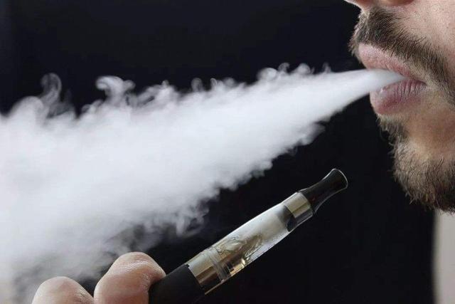 中国4年新增电子烟民335万,18-29岁青壮年上升明显
