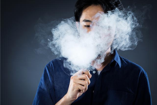 罗永浩败了,她却三年IPO,市值逼3000亿背后的电子烟何以疯狂?